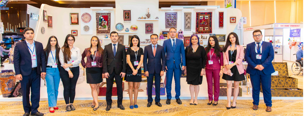 """Dövlət Agentliyinin sədri """"ABAD"""" stendini ziyarət edib"""
