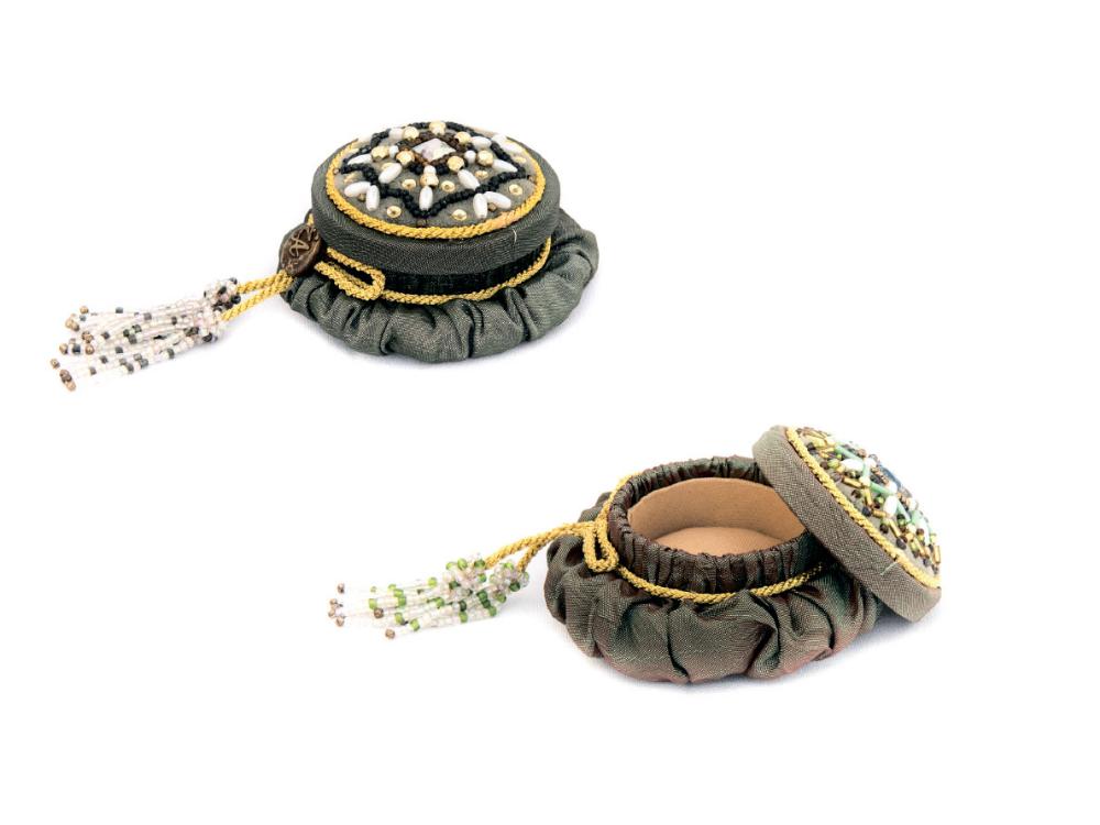 Ornamentli tikmə mücrü